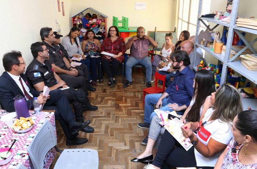 Após implantação do fluxo de proteção a violência contra mulher, Barra Mansa realiza nova reunião