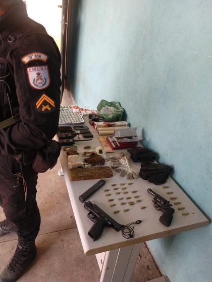 Homem é preso por tráfico de drogas e porte ilegal de arma no Nova Primavera em Volta Redonda