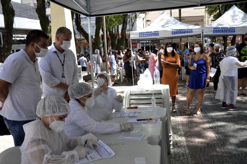 Rodrigo Drable acompanha retomada da testagem em massa para a Covid e diz que Barra Mansa busca referência na vacinação contra a doença
