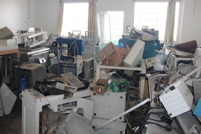 Hospital Santa Margarida tem estrutura, documentos e equipamentos em estado de abandono