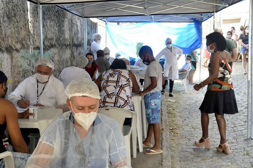 Barra Mansa realiza testes rápidos para Covid-19 no bairro Cotiara